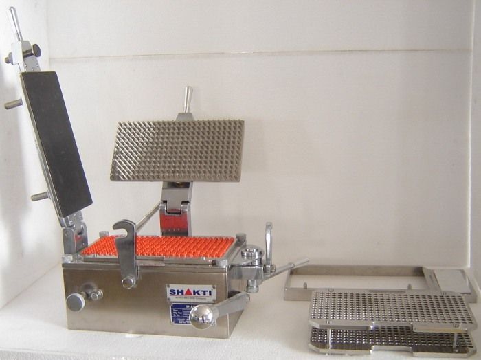 Capsule Filling Machine Hand Operated The 300 Holes Gmp Model Manually Operated Hard Gelatin Capsule Filling Machine Is The Mos Machine Manufacturing Filling