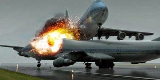 Inilah 7 kecelakaan pesawat paling tragis di dunia 7 kecelakaan pesawat paling tragis di dunia - Rupanya banyak kecelakaan pesawat dahsyat yang terjadi di dunia hingga sekarang dan menewaskan ratusan orang ini. Penyebabnya dari kerusakan sistem hingga tabrakan sesama pesawat. Berikut adalah 5 Kecelakaan Pesawat Paling Parah Sepanjang Masa menurut situs International Business Times: 1. Tabrakan pesawat KLM 4805 dan Pan Am 1736 pada 1977 Tabrakan pesawat KLM 4805 milik Belanda dengan Pan Am…