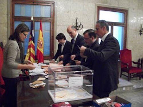 Recuento del voto de los baleares del Censo Electoral de Residentes Ausentes (CERA)