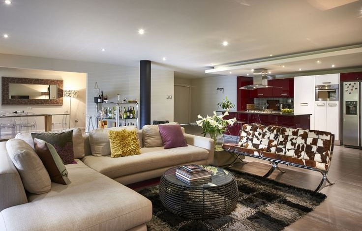 This home reflects a crisp clean cut, edgy elegance. A level above the rest. Book one of our beautiful Service Suites apartment (15% off)