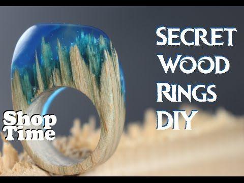 Er klebt das gesplitterte Holz in die Schale und gießt das blaue Zeug drauf. Nie hätte ich mit diesem Ergebnis gerechnet!