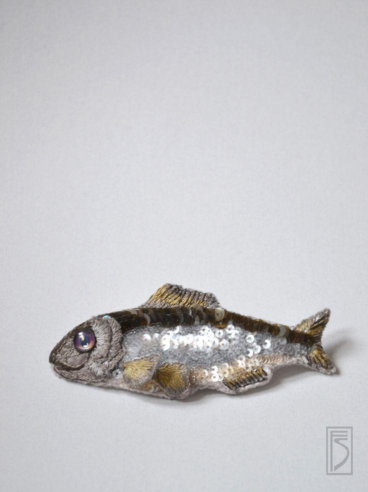 """Купить брошь """"селедка без шубы"""" - серебряный, брошь, подарок на новый год, подарок, селедка, рыба"""