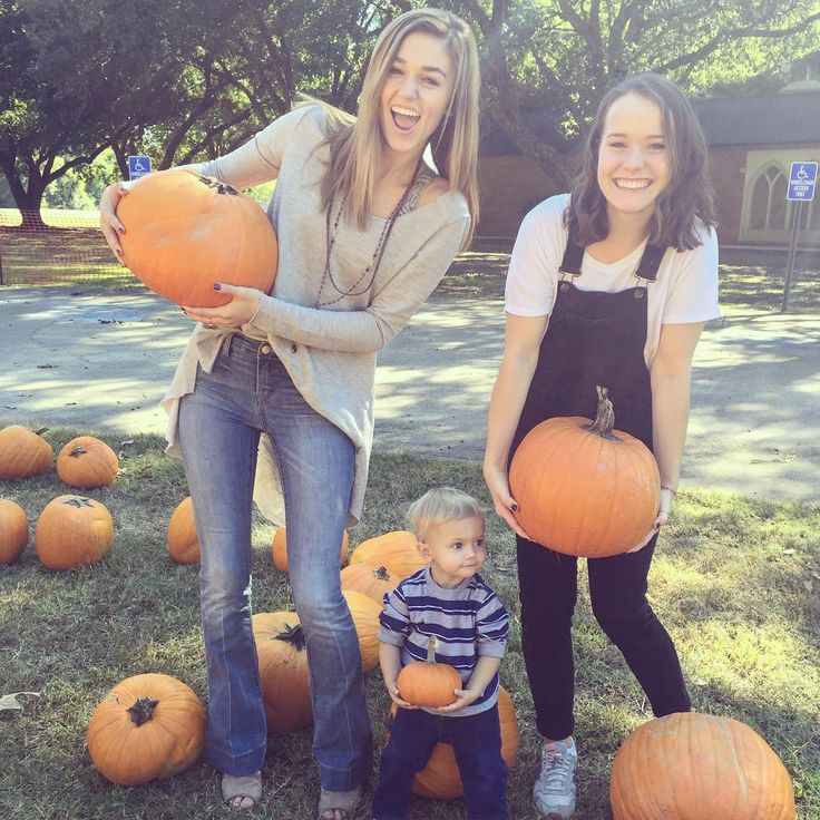 "Sadie Robertson on Instagram: ""big or small everybody loves fall  10.29.15"""