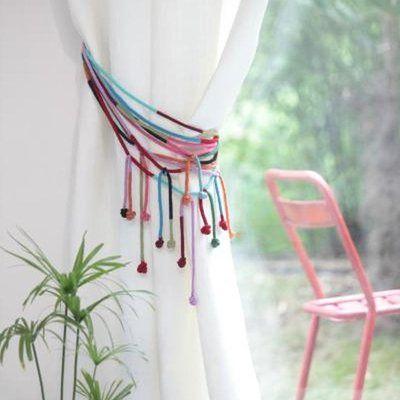 Une embrasse de rideaux en laine