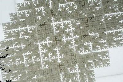Living in DesignLand: Fractal Table, GEOMETRIA FRACTAL