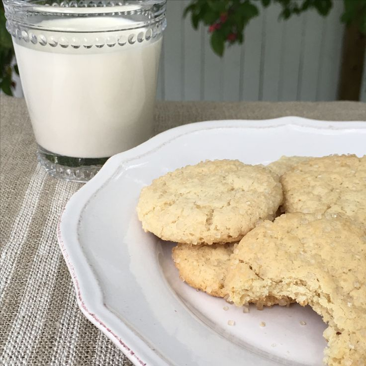 Best Chewy and Crunchy Gluten Free Sugar Cookies. Enjoy with a glass of your favorite milk😋