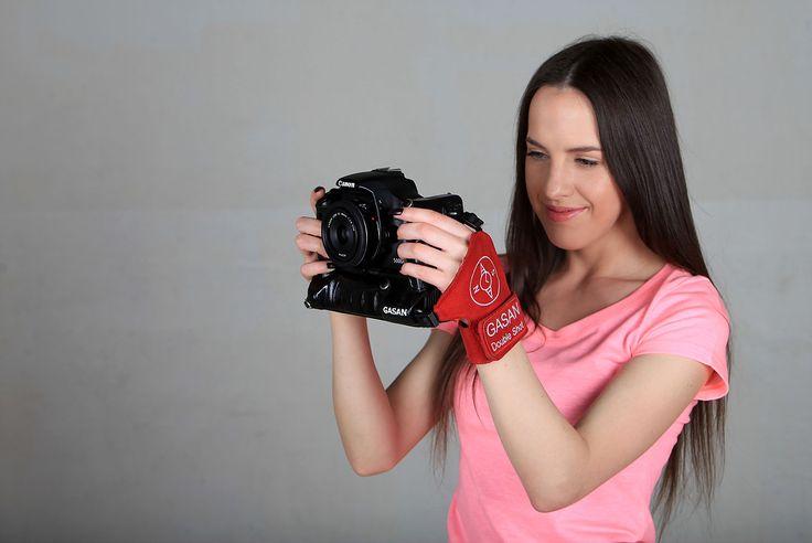 фотографируй с левой руки.