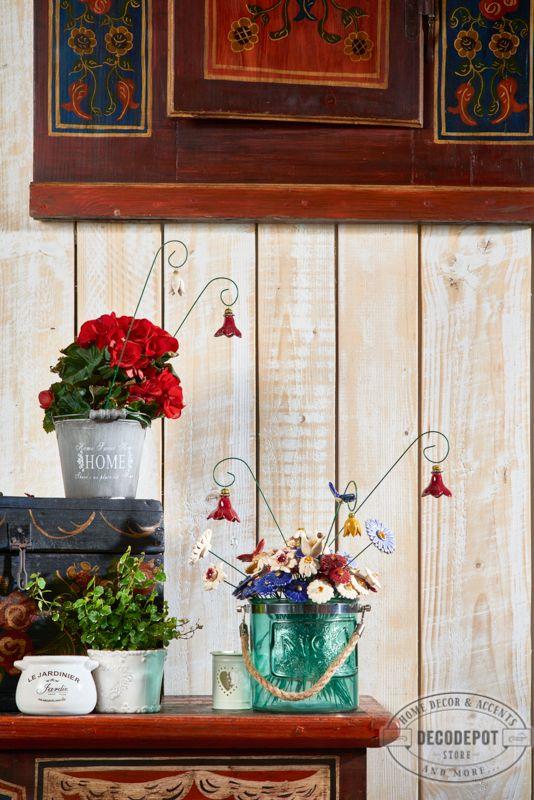 Borcane decorative şi flori handmade din ceramică. DecoDepot. Brasov. Jar. Decoratives. Glass. Handmade/ Ceramic. Flowers.