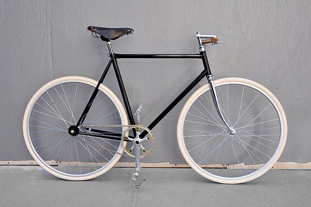 Secondbike Bicicletas para todos. La MAYOR tienda de bicicletas de segunda mano en Madrid. Ven aprobar esta bicicleta en nuestro carril bici. . !! Te esperamos en calle General Yagüe 70 . 28020 , Madrid, WEB www.secondbikemadrid.com