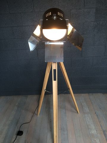 Stage spotlight lamp