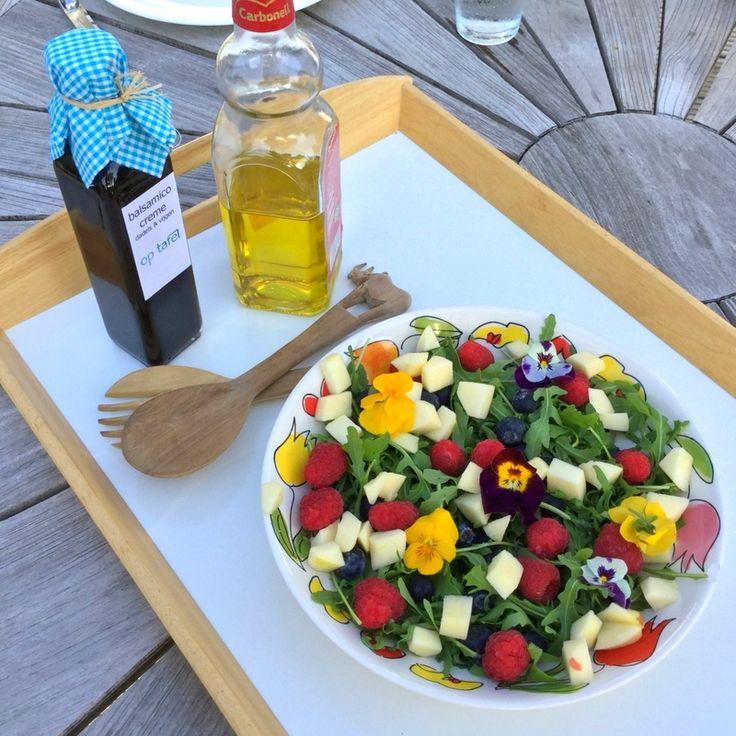 Met de heerlijke dadels & vijgen balsamico crème  maak je met olijfolie een zoete vinaigrette voor een salade!⠀