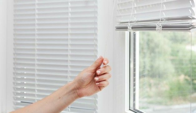 How To Steam Clean Blinds The Fast Way Cleaning Blinds Pvc