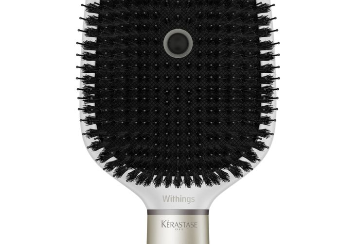 Here S A Smart Hairbrush With A Built In Microphone From Withings And L Oreal Techcrunch Hair Brush Loreal Kerastase Hair