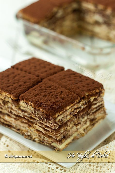 Torta di biscotti. ..dovendola fare ai bambini ho bagnato i biscotti nel latte ed ho seguito la ricetta della crema al cacao bimby