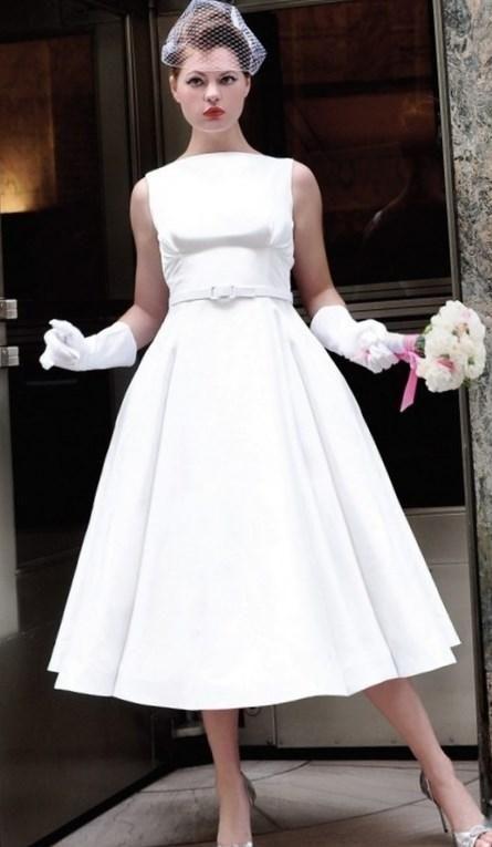Свадебные платья в стиле 50 60 годов - http://1svadebnoeplate.ru/svadebnye-platja-v-stile-50-60-godov-2188/ #свадьба #платье #свадебноеплатье #торжество #невеста
