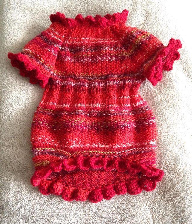 New cloth for my girls 🎵😊 #dogclothes #dogsfashion #knittingfordogs #OsloNorway #strikkedilla