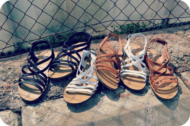 Estilo natural y confortable con las #sandalias Porronet calzados. Para pasar un verano de lo más fresquito y cómodo.