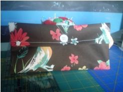 Tutorial: Simple pencil pouch · Sewing | CraftGossip.com