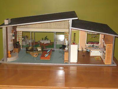 Midcentury dollhouse! So cute, I want one!