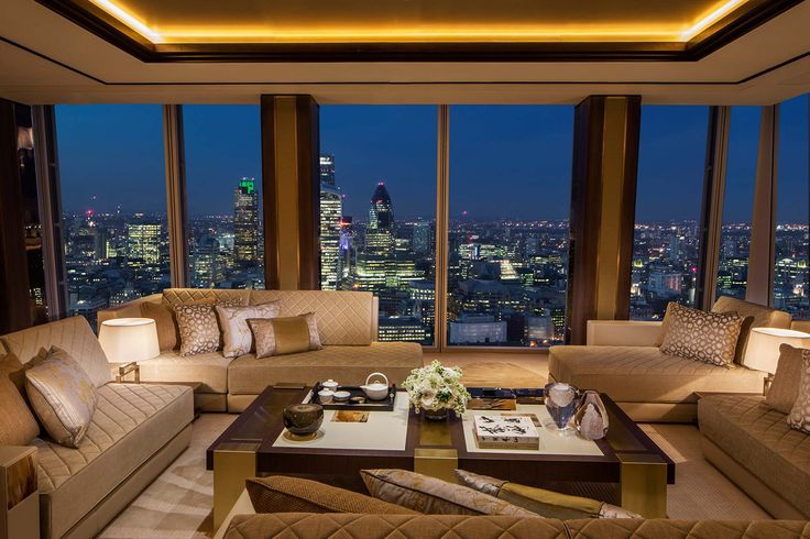 Signature Suites in the worlds' leading premier hotel Shangri-La, located in The Shard – the tallest Western Europe skyscraper with a 360 degree view of London.