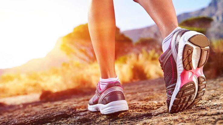 Ben jij een fanatieke hardloper? Dan mag krachttraining zeker niet in je routine ontbreken. Lees hier welke 7 oefeningen je sowieso zou moeten doen!