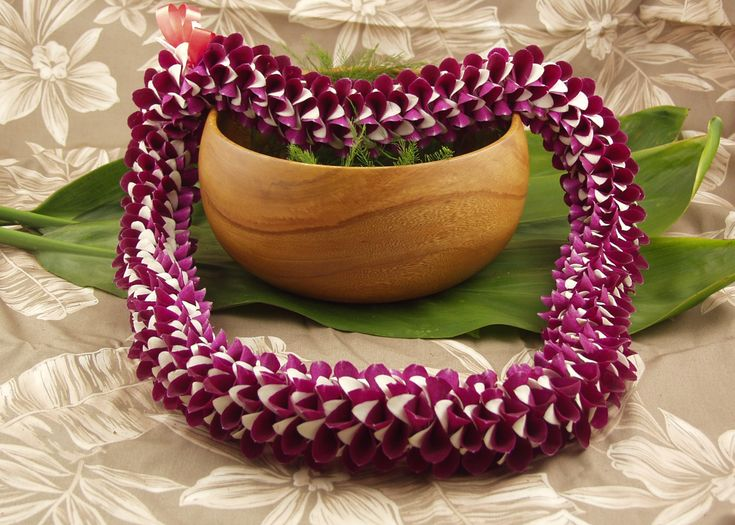 Traditional Hawaiian Wedding Gifts: 21 Best Hawaiian Leis Images On Pinterest