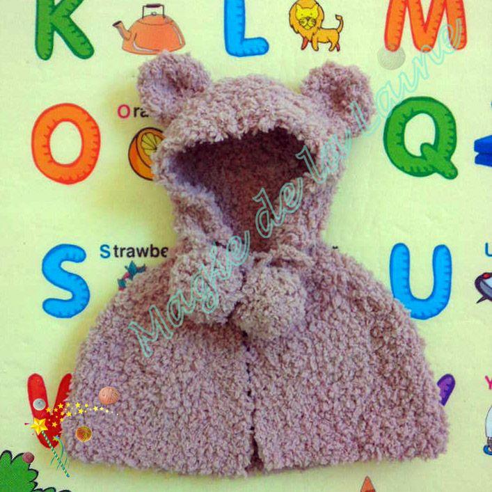 Poncho fourrure ourson pour bébé ou enfant, tricoté avec la laine peluche Doudou. Doux et chaud, il protège bien votre enfant du grand froid d'hiver. Kit à tricoter: http://www.magiedelalaine.com/kits-tricot-layette-et-enfant/367-kit-tricot-poncho-fourrure-ourson.html