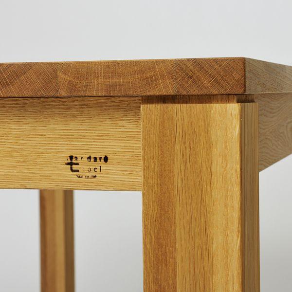 Trunk Dining table / Oak/karfのデザインコンセプトの基本は「シンプル」ですが、 その中でもひときわシンプルでハイ・スタンダードなシリーズがこのトランクです。 #家具  #北欧  #デザイン #目黒 #インテリア #ダイニング #ライフスタイル #テーブル #無垢材 #オーク