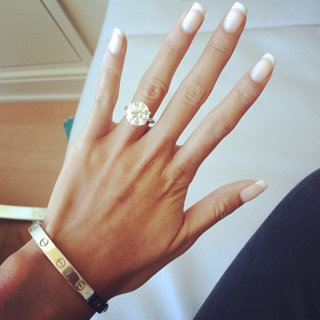 No doubt, the ring is beautiful, but the model's hand is gorgeous!
