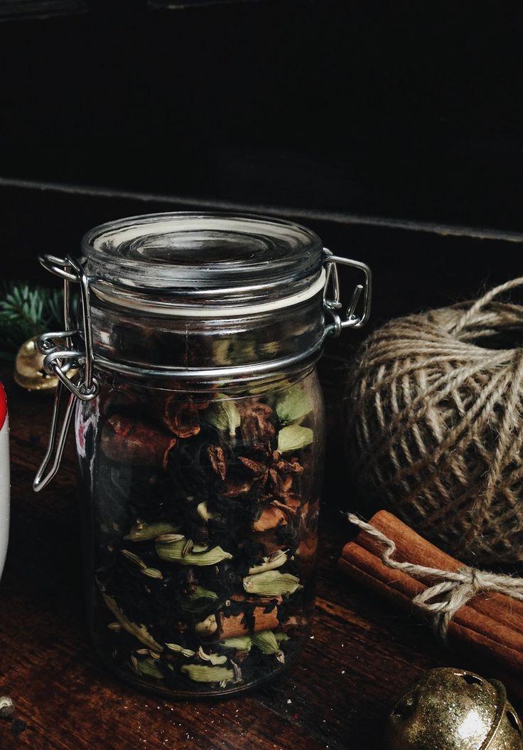 CHAI MASALA TEAKEVERÉK  Letti et la Cuisine
