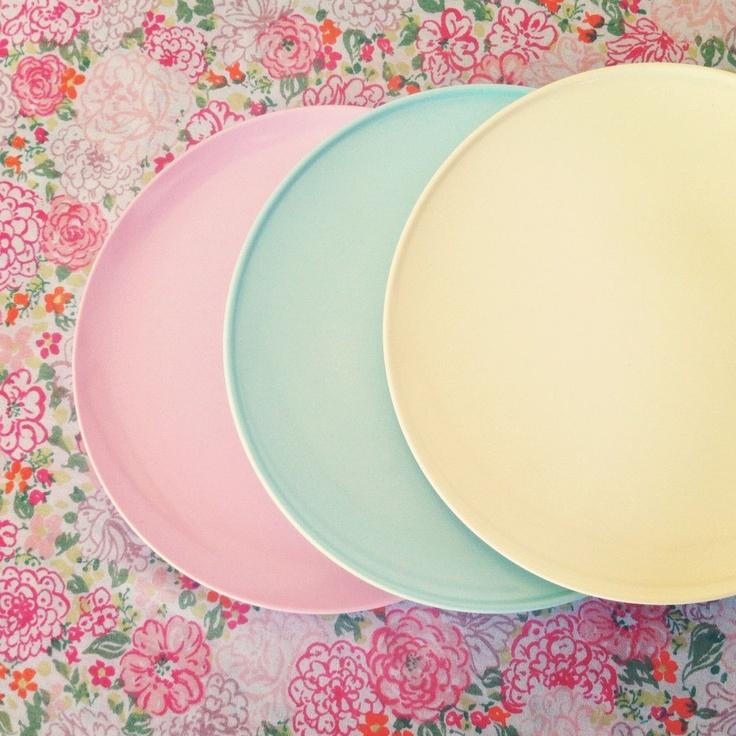 pink, turquoise & yellow melmac plates
