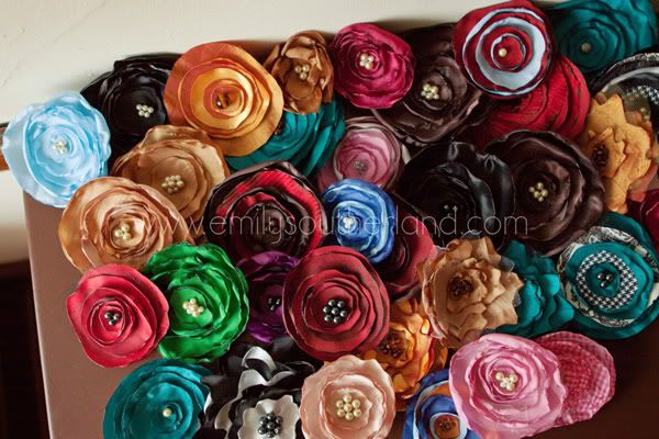 tutorial on how to make fabric flowers for headbands, clips or decorations