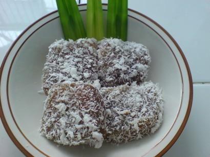 ongol ongol, kue basah, indonesian traditional snack, makanan tradisional, jajanan pasar, kue tradisional, beras ketan, kelapa