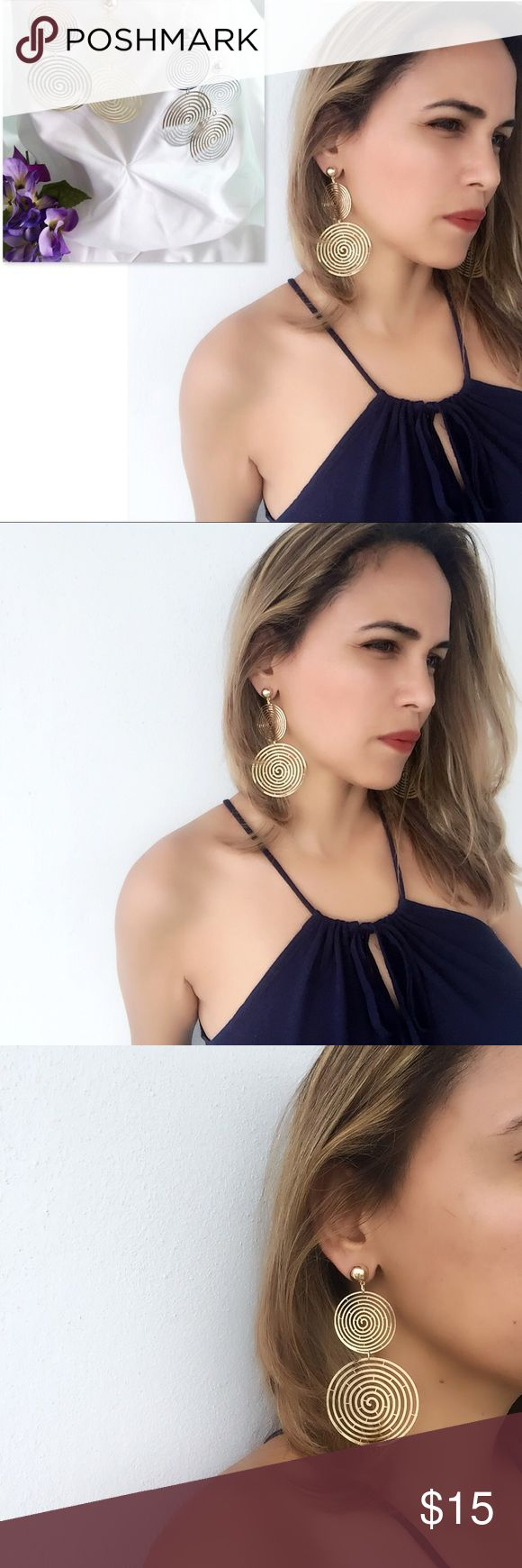 """✨NEW THIS WEEK💫Intriguing Chandelier Earrings ✨NEW THIS WEEK💫Intriguing Chandelier Earrings Nickel Free   If you love your jewelry to be your statement piece I recommend these elegant pair of earrings. You can effortlessly combine them with any outfit.  They are just there to make everything prettier.  Measurements: 2"""" wide 4"""" long Closure: Post back  🛍Bundle & Save!! 10% 2 items 15% 3+ items  💝No Trades MischkaPu Jewelry Earrings"""