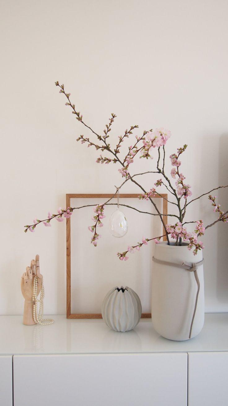 ... zu krimineller Handlung durch Schimmel :wink:. Kann also nix dazu. Katja ist schuld, dass diese hübschen Mandelbaumblütenzweige nun unser Wohnzimmer schmücken :joy:.
