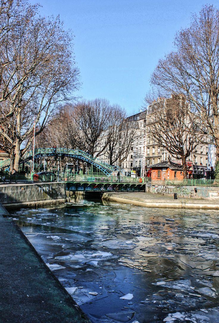17 best images about le canal saint martin a paris on. Black Bedroom Furniture Sets. Home Design Ideas