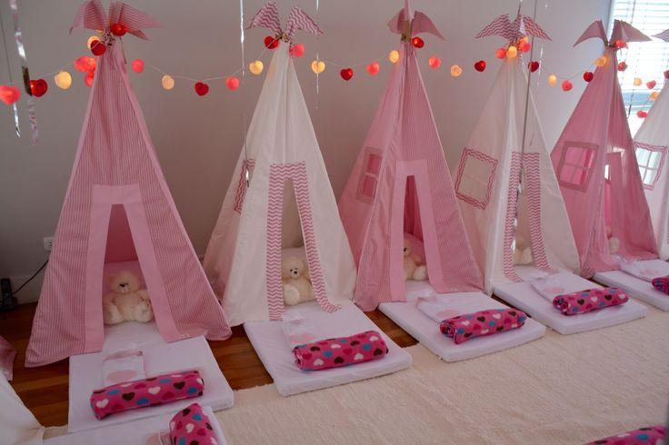 Festa do Pijama da Bella - Capricho - Mascote - Crazy for Tents #festadopijama#teepee#cabanas#sleepover#girls#onlygirls#BFF#magia#diversão#crazyfortents