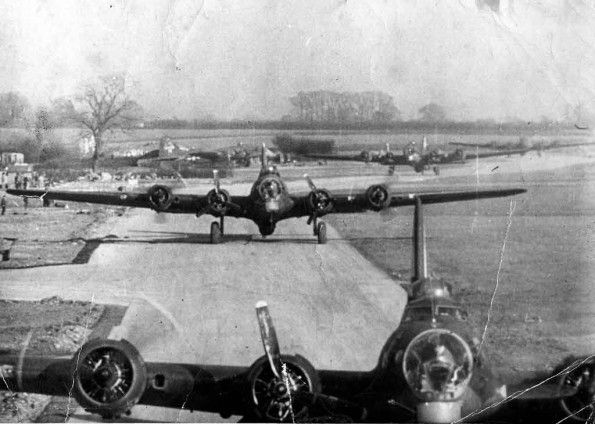 B-17 bombers taxi before takeoff at RAF Molesworth (USAAF Station 107), Cambridgeshire, home of the 303rd BG from late 1942 until after VE Day in May 1945.