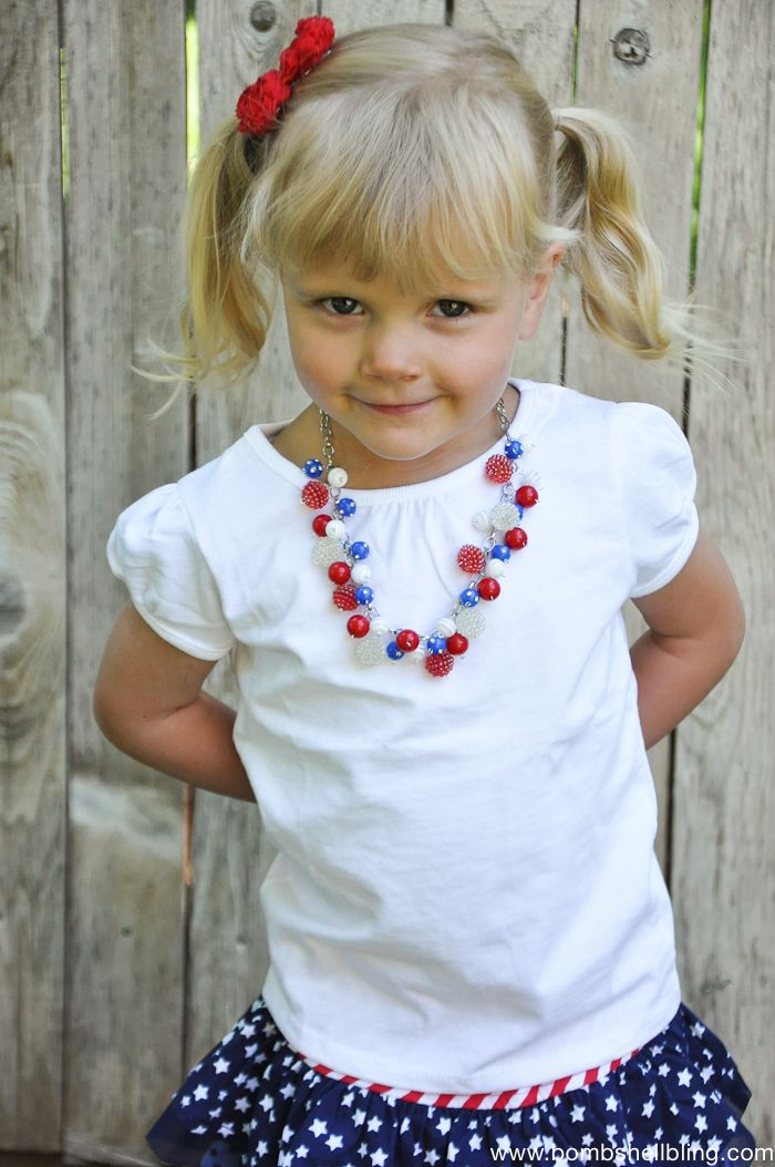 Patriotic Bauble Necklace Tutorial. Get your supplies at www.fizzypops.com