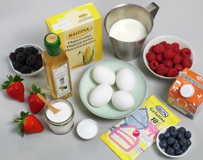 Pavlova med eggekrem - oppskrift - MatPrat