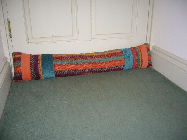 The draught excluder in place & 87 best Draught excluders images on Pinterest | Door jammer Draft ...
