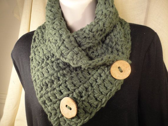 Crochet Scarf Cowl Neck Warmer With Buttons In Forest Green Crochet Scarfs Cowl Neck And Cowl