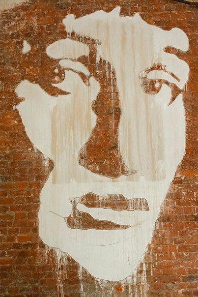 Граффити в музее Анны Ахматовой Да! Именно так! 16 марта в 18:30 не пропустите встречу «Культурный стрит-арт», организованную совместно с  Уличного Искусства.