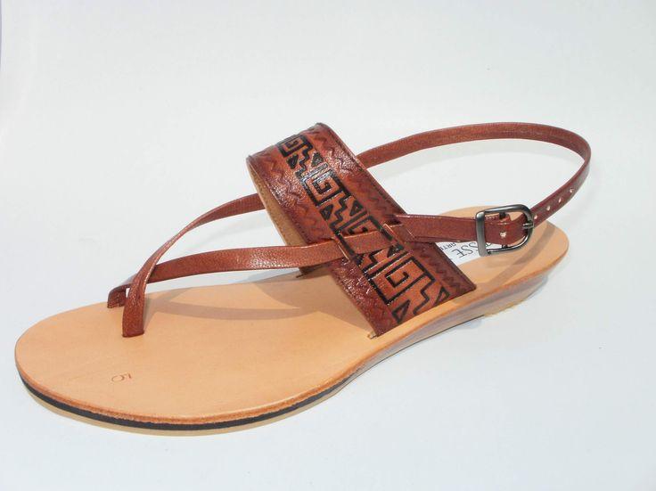 Sandalia de cuero de chivo repujada #sandals #madeinperu #leather #stely #moda #peru #cuero #sandalia #shoes #summer https://www.facebook.com/yesseyoly