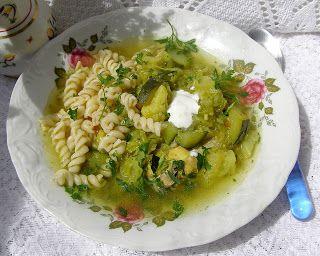 W Mojej Kuchni Lubię.. : zielona warzywna zupa z makaronem na skrzydełkach....
