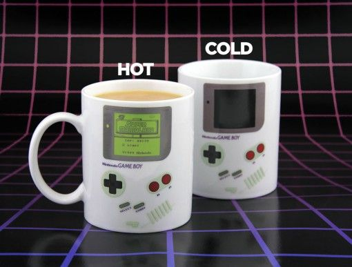 300ml ceramic heat change mug. Features screenshot from the iconic 1989 Game Boy title Super Mario Land.