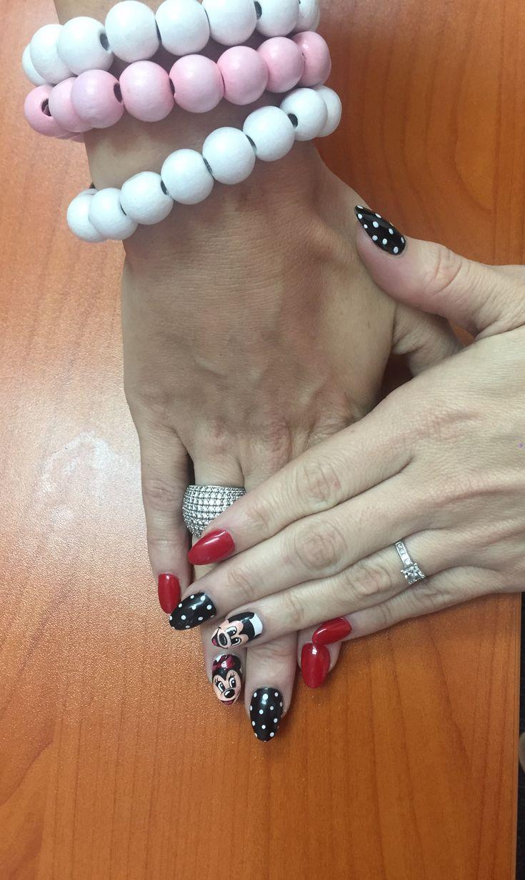Mickey & Minnie Mouse nailart nails nail red and black