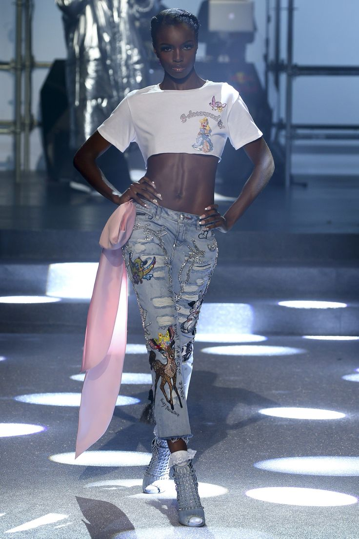 Philipp Plein Spring 2018 Ready-to-Wear  Fashion Show - Leomie Anderson
