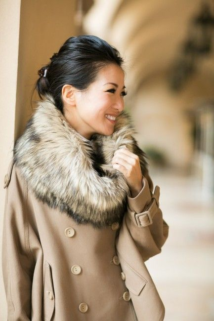 Add some glamour to a regular winter coat with a faux fur wrap - 100% style!: Add some glamour to a regular winter coat with a faux fur wrap - 100% style!