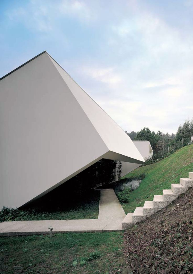 subtilitas: Eduardo Souto de Moura - Two houses, Ponte de Lima 2002. Via.